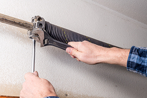 2020 Garage Door Spring Replacement Or Repair Costs Homeadvisor