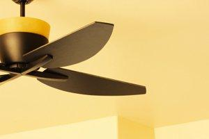 Install a Ceiling Fan in La Fontaine