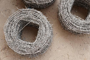 Install a Barbed Wire Fence in Saint Louis