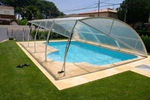 Install or Replace Covers for a Swimming Pool