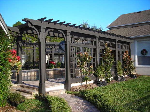 Landscaping With Trellis : Trellis garden