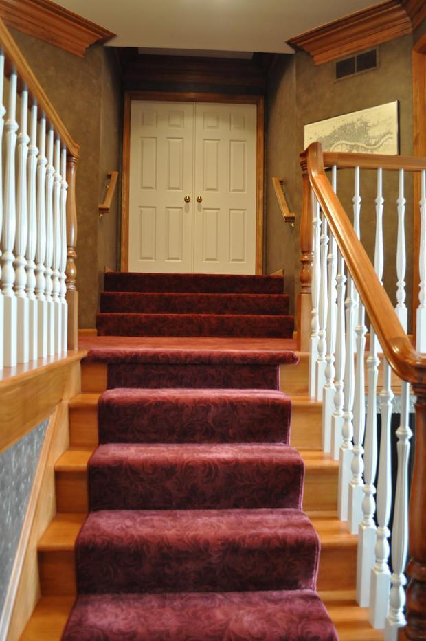 Victorian Staircase In Grand Rapids White Ballustrade