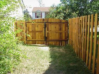 Cedar Fence With 10 Ft Wide Double Gate Pictures And Photos