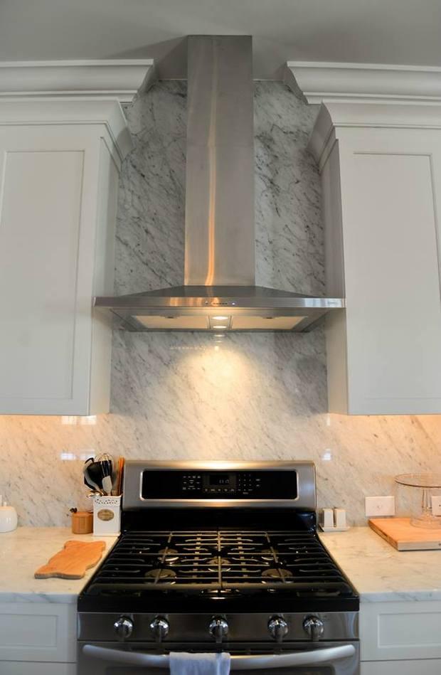 Contemporary Kitchen In Winston Salem Gas Range Granite Counter Top By Bloomday Granite