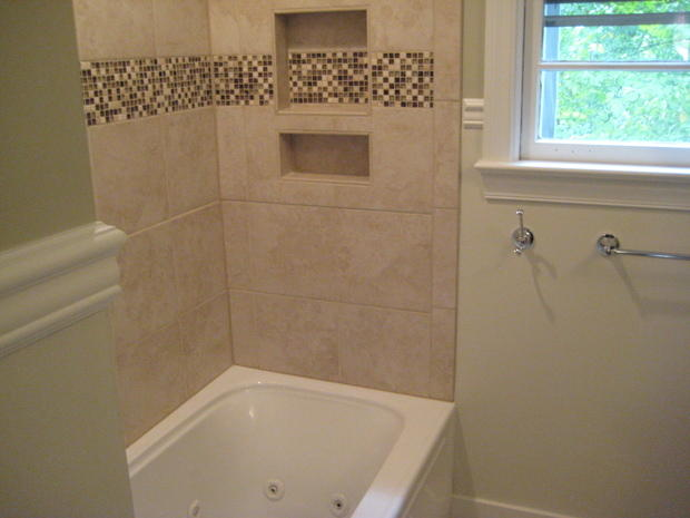 Traditional Bathroom In Greenville Beige Tile Surround White Chair Rail By Builders Choice