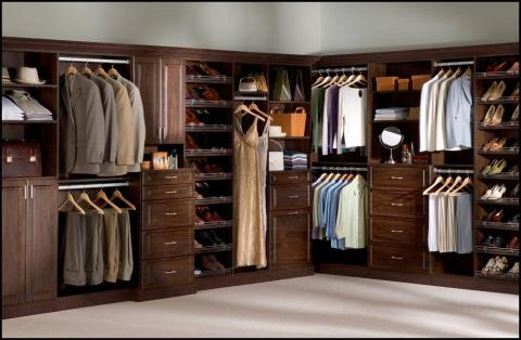 Contemporary Closet with white cut pile wall to wall carpet