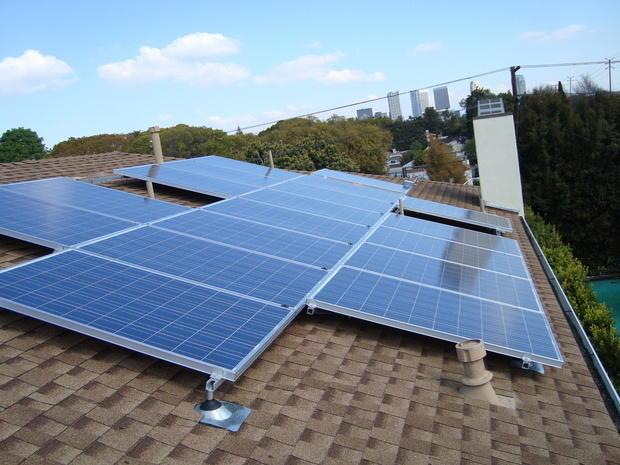 Contemporary Home Exterior In Canoga Park Sun Energy