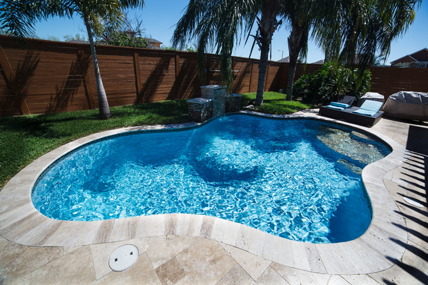 Casual Living Pools : Casual / Comfortable Pool in McAllen - travertine tile ...