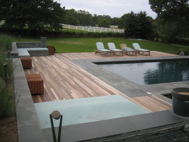 Contemporary Pool In Shelter Island Heights Large Yard