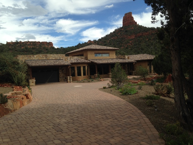 Tuscan driveway in prescott front load garage curved for Prescott architects
