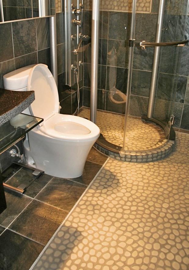 Eclectic bathroom in sausalito body sprays pebble stone for Sausalito tile