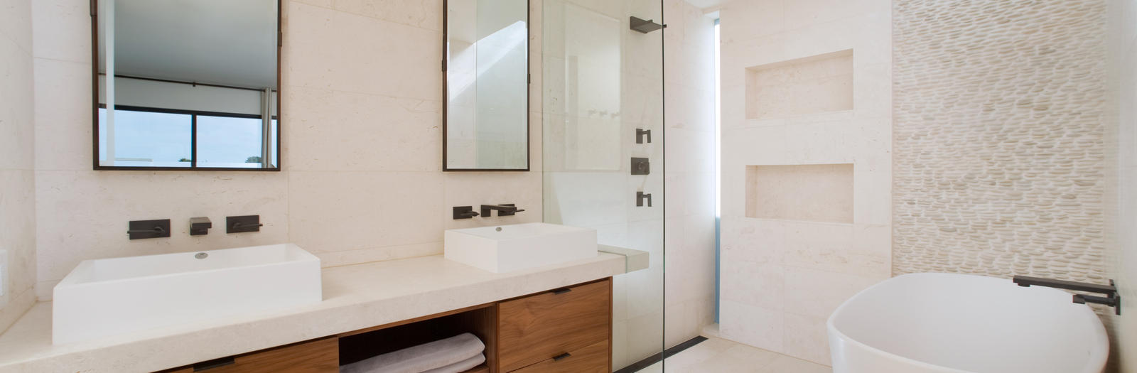 Contemporary Bathroom with frameless glass partition