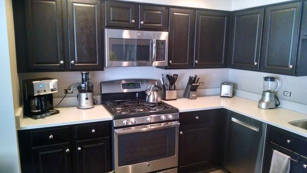 Traditional Kitchen In Elk Grove Village White Quartz Countertop Beige Wall Paint By Hudson