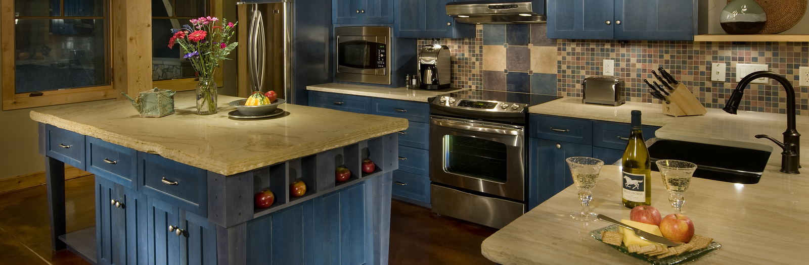 Transitional Kitchen with stainless steel appliances