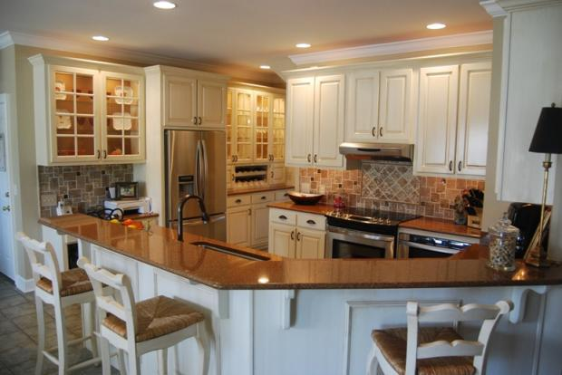 Super Transitional Kitchen In Dalton White Glass Display Pdpeps Interior Chair Design Pdpepsorg