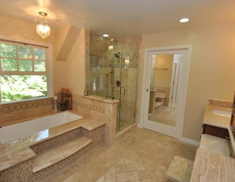 Traditional Bathroom with mirror inserted into the door