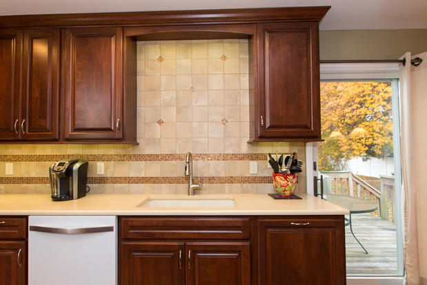 Transitional Kitchen In Hamilton Warn Finishes Pullout