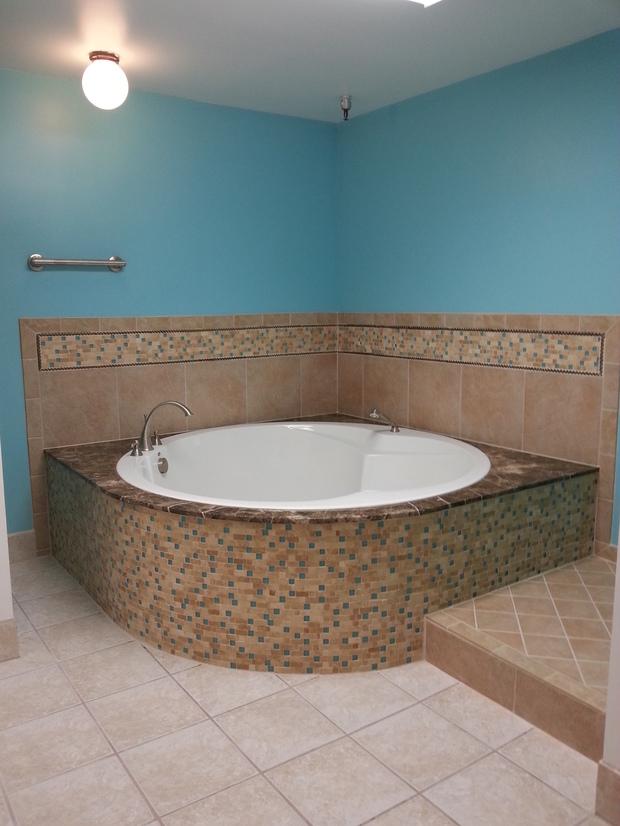 Traditional bathroom in salt lake city glass globe light for Bath remodel salt lake city