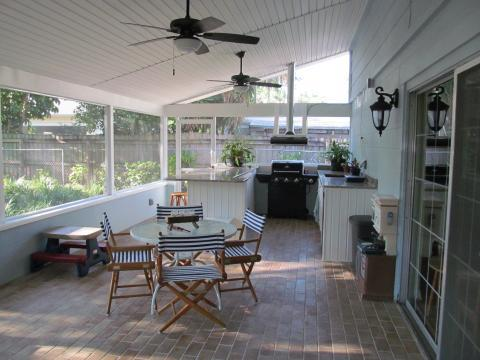Traditional Patio with ceiling mounted stove hood