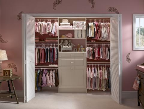 Transitional Kids Room with closet organizing system
