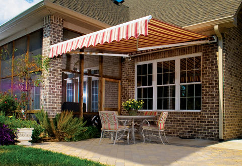 Traditional Patio with outdoor dining area