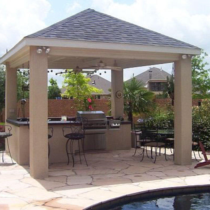 Traditional covered outdoor kitchen