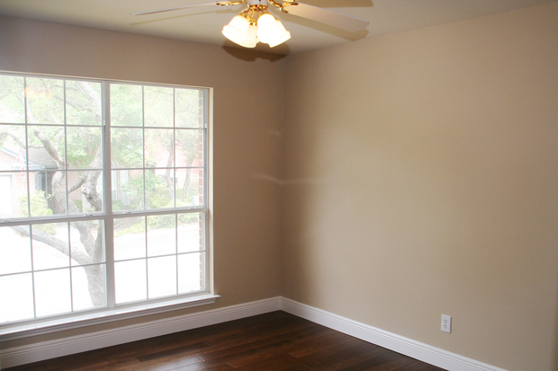 Traditional Bathroom In San Antonio Beige Wall Paint Repaired Window Sill By Renovate Paint