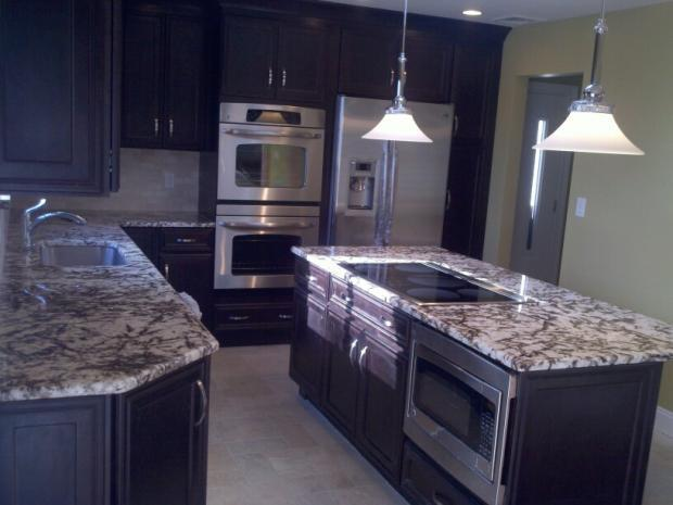 Transitional Kitchen In Dobbs Ferry Cream Ceramic Tile By