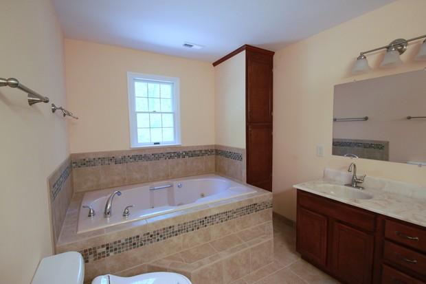 Casual comfortable bathroom in fredericksburg integral for Bathroom remodeling fredericksburg va