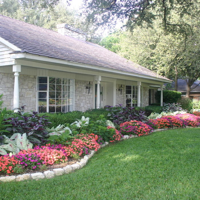 7 affordable landscaping ideas for under 1 000 huffpost for Large flower bed design ideas