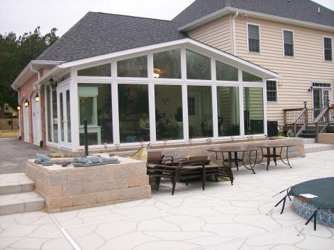 Traditional Patio with outdoor patio furniture