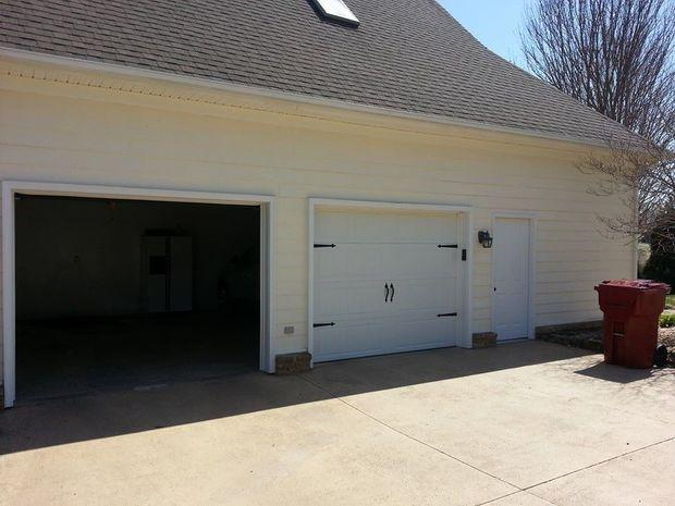 Arts crafts garage in blountville panel garage door for Arts and crafts garage