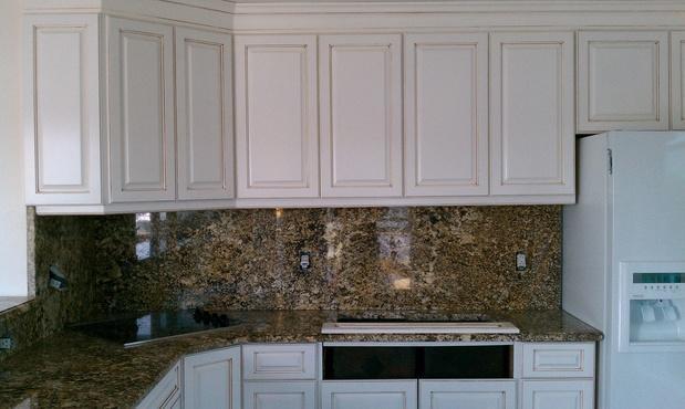 Casual Comfortable Kitchen In Virginia Beach Granite Back Splash Raised Panel Cupboards