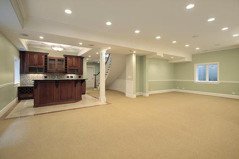 Transitional Basement with square support pillar
