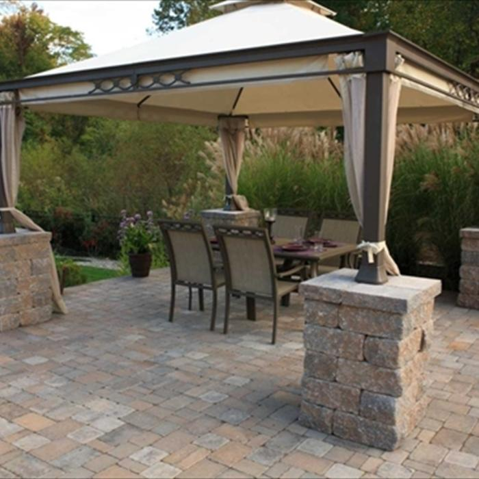 2018 brick paver costs price to install brick pavers for Average cost to build a pavilion