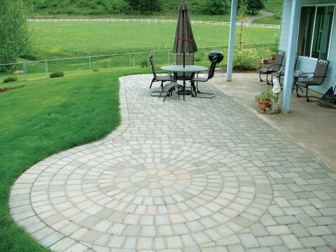 Traditional Patio with outdoor conversational set