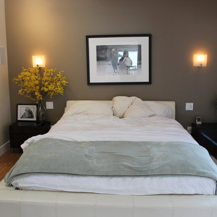 How To Maximize Space In A Small Bedroom how to maximize small bedroom space | huffpost