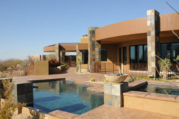 Contemporary pool in tucson hot tub stucco exterior for Pool design tucson