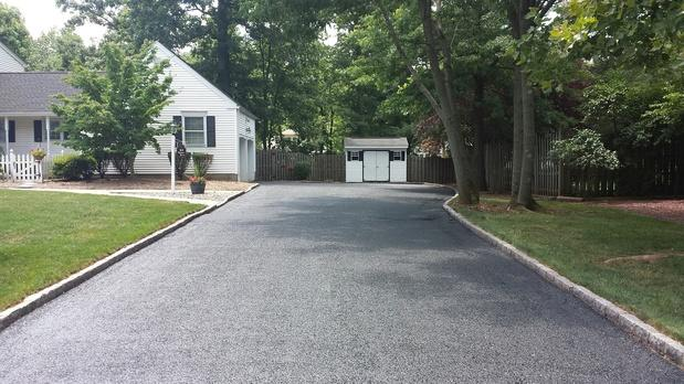 Traditional Driveway with pavement