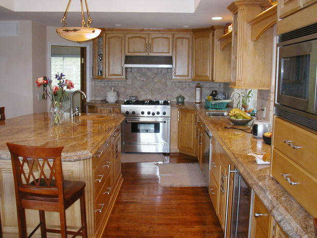 Traditional Kitchen In La Habra Open Neutral Tile By Pro Builders Express Inc
