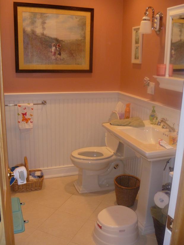 Traditional Bathroom In Shrub Oak Pedestal Sink White