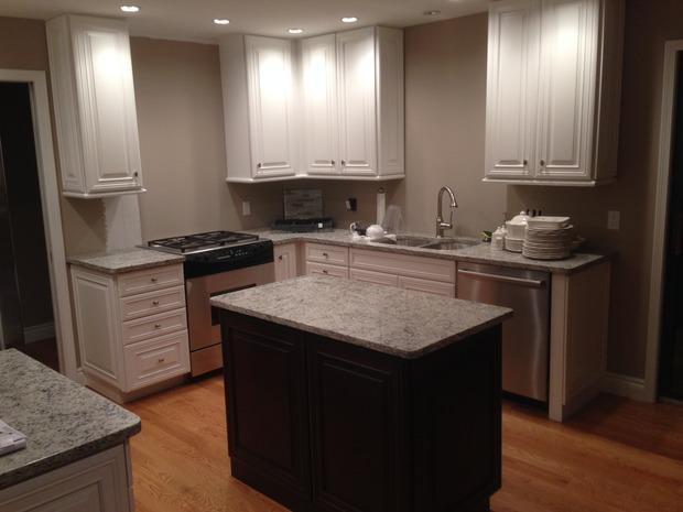 Transitional Kitchen In Oak Park Small Center Island Grey Wall Paint By Marblecast Of
