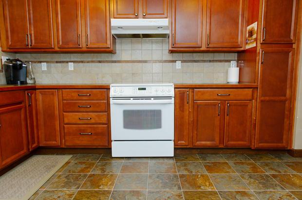 Transitional Kitchen In Spokane Valley Tile Backsplash Glass Top Stove By Vst Construction