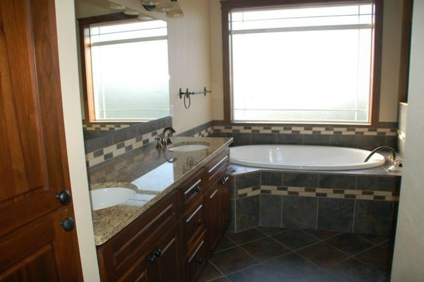 Arts crafts bathroom in spokane valley granite for Bath remodel spokane