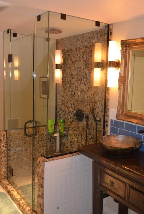 Eclectic Bathroom with frameless surround