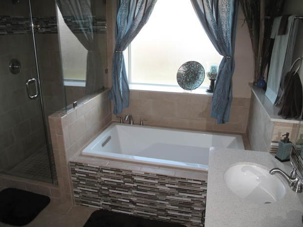 Contemporary Bathroom In San Antonio Curtain Drape Window Covering Brown Linear Tiling By