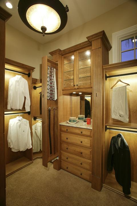 Traditional Closet with under cabinet lighting