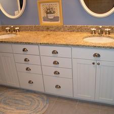 Kmg enterprises llc fort mitchell ky 41017 homeadvisor for Bathroom remodel 41017