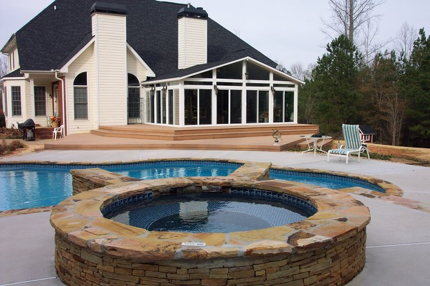 Transitional pool in gibsonia hot tub all season for Pool design mcmurray pa
