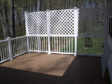 Composite Deck With Vinyl Railing And Privacy Wall